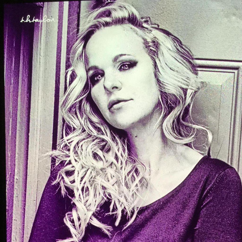 M*A*K*E*  - Make Up Artist Kate Elizabeth