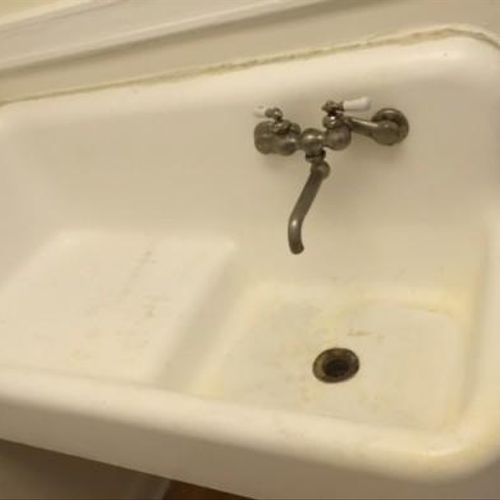 Old Fashioned Sink - Before