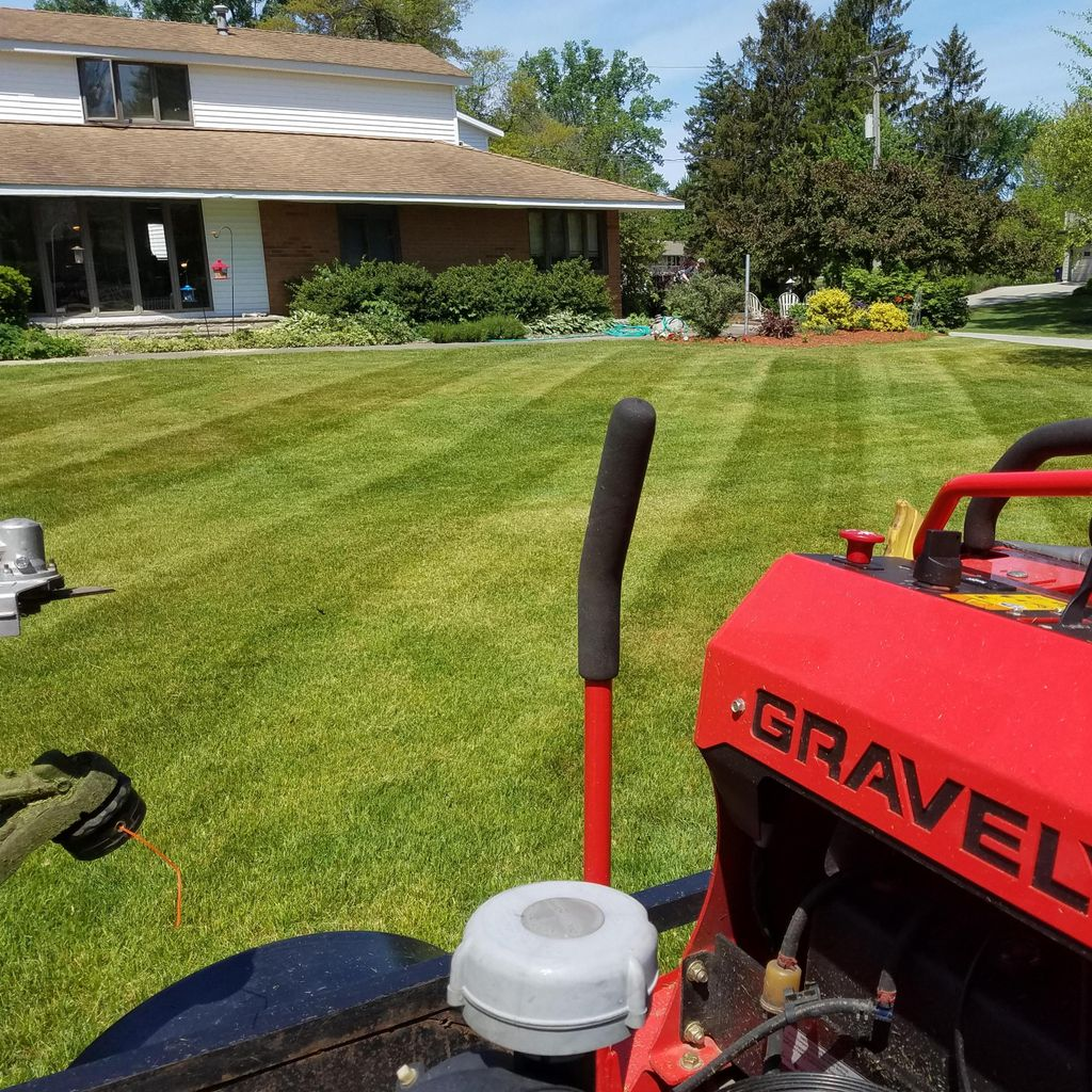 Trimmer's Lawn Care