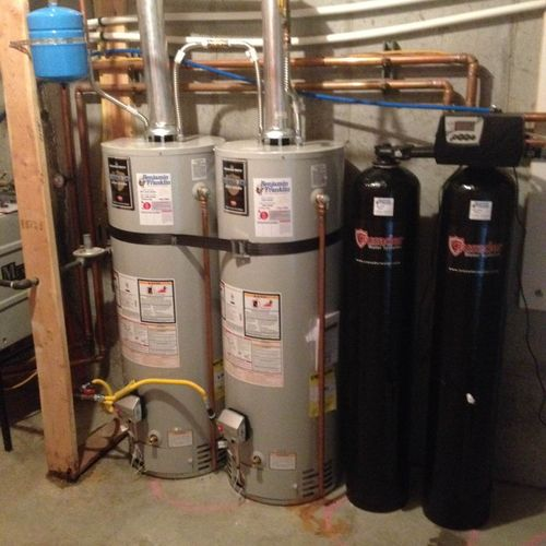 Water heater installation with earthquake strap