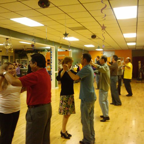 The dance material taught in classes is either an addendum to that taught in private lessons or special class curriculums that involve such things as party dances (polka, country western, etc.) and special dance techniques.