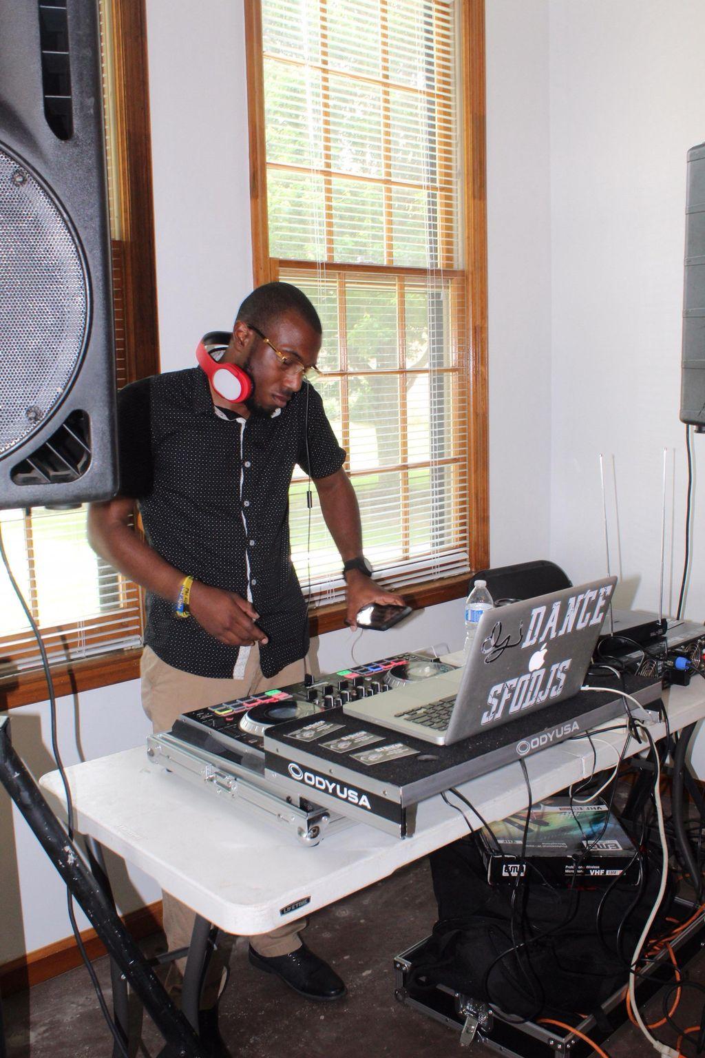 DJ Dan'ce Mobile DJ Services