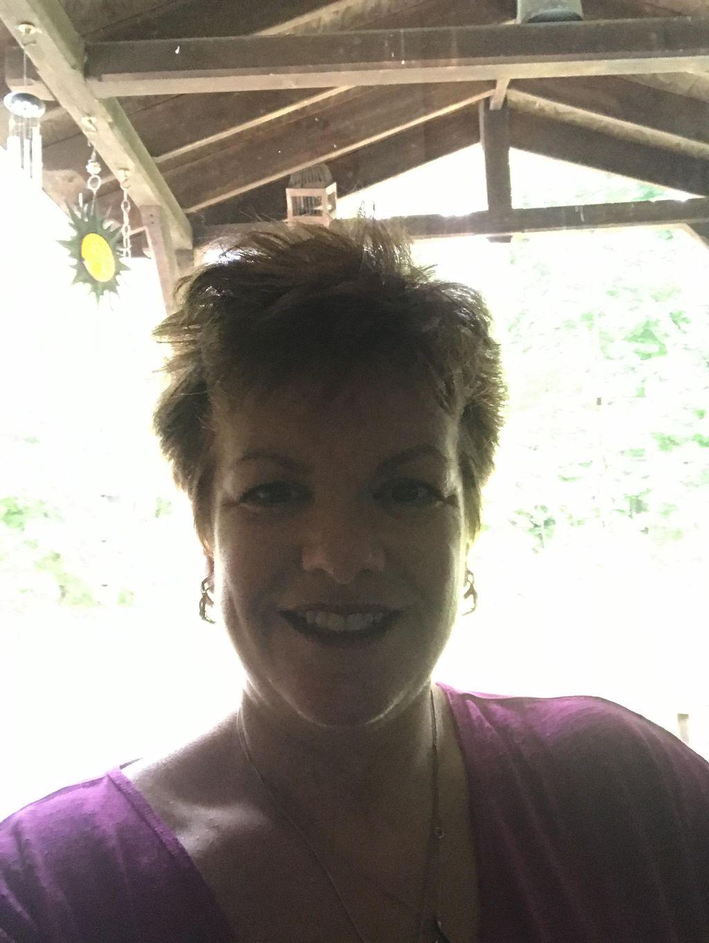 AromaGee Massage & Holistic Wellness