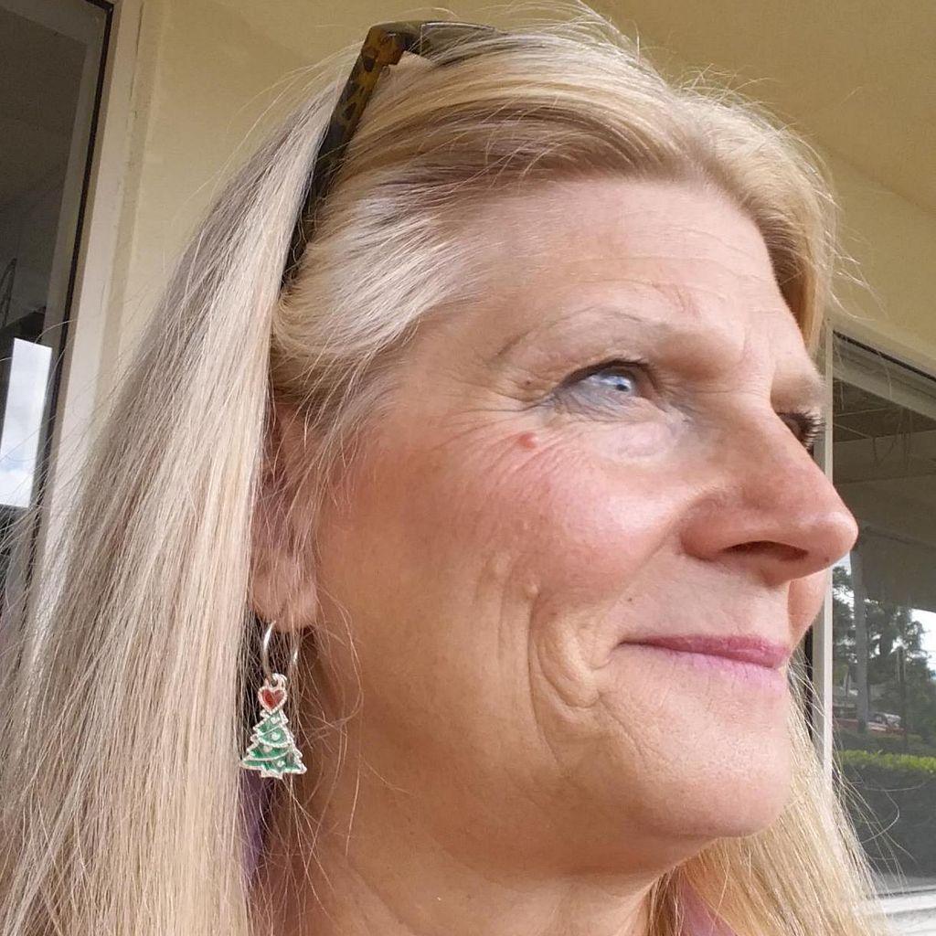 Louise Sizemore in Wellington, Fl.