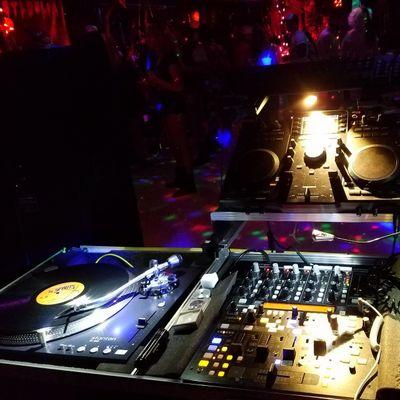 Avatar for Vintage Vinyl DJ
