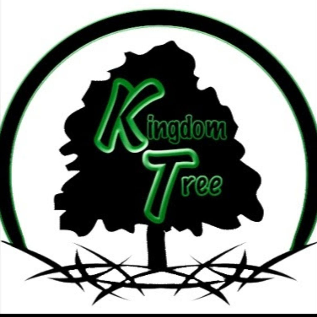 Kingdom Tree & Stump