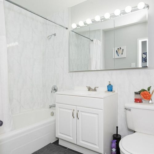 Look at that bathroom shine!