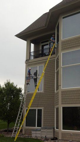 3 story - residential scrubber & squeegee