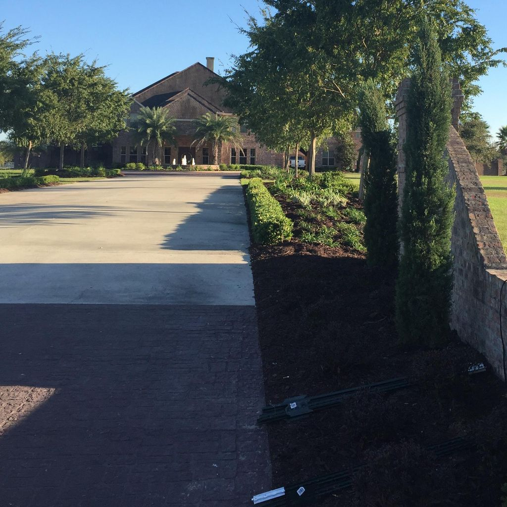 Total Lawn Care and Landscaping LLC.