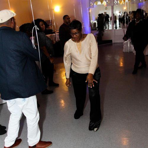 Gaytonia cutting it up on the dance floor!