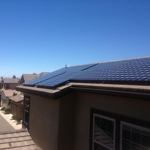 Lg Solar Panels in Del Sur