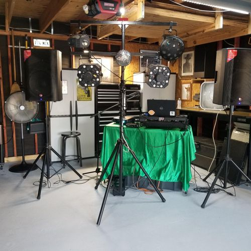 Sonido Bacteria Jr, this set up is for small events like backyards, and house parties, or Schools
