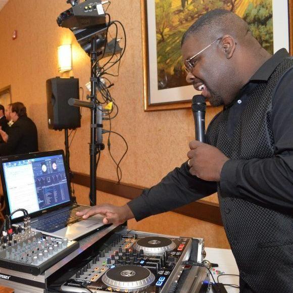 Warren's DJ Service in Temecula