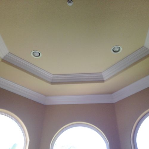 Crown in tray ceiling