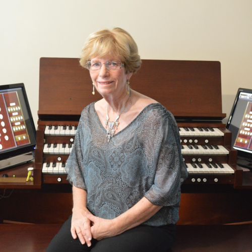 Jennifer & Hauptwerk digital organ