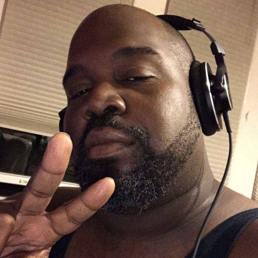 DJ Fanatic (Shawn)