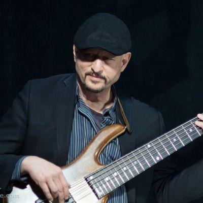 Avatar for Russ Rodgers Bass Guitar Instruction