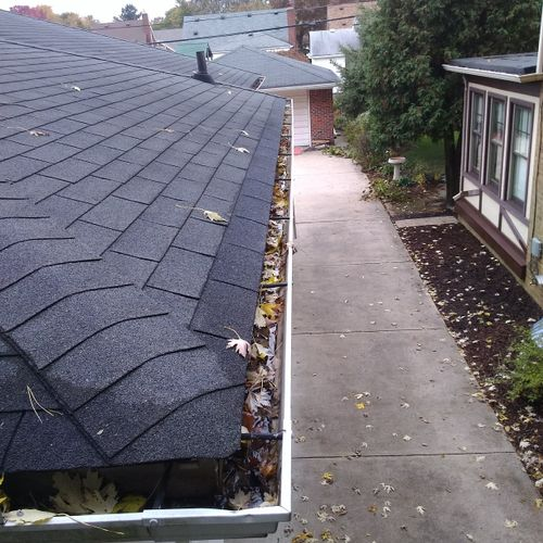 House Gutter Before Cleaning
