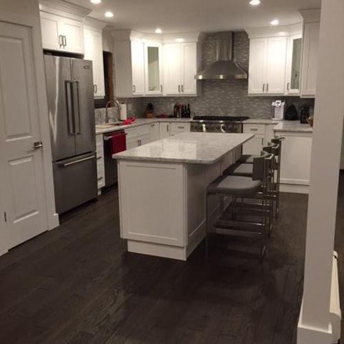 Contemporary White Shaker Cabinet Kitchen w/ Carrera Quartz counters