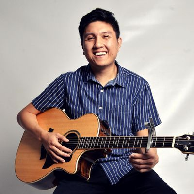 Avatar for Singing Guitarist
