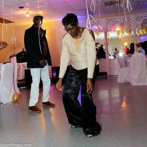 """Birthday Girl showing them how it""""s done!!"""