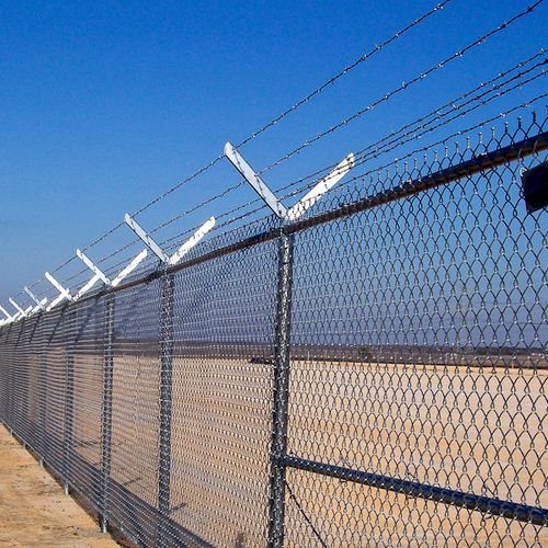 Chain Link is a cost effective Security Fence used in both Residential and Commercial Applications.