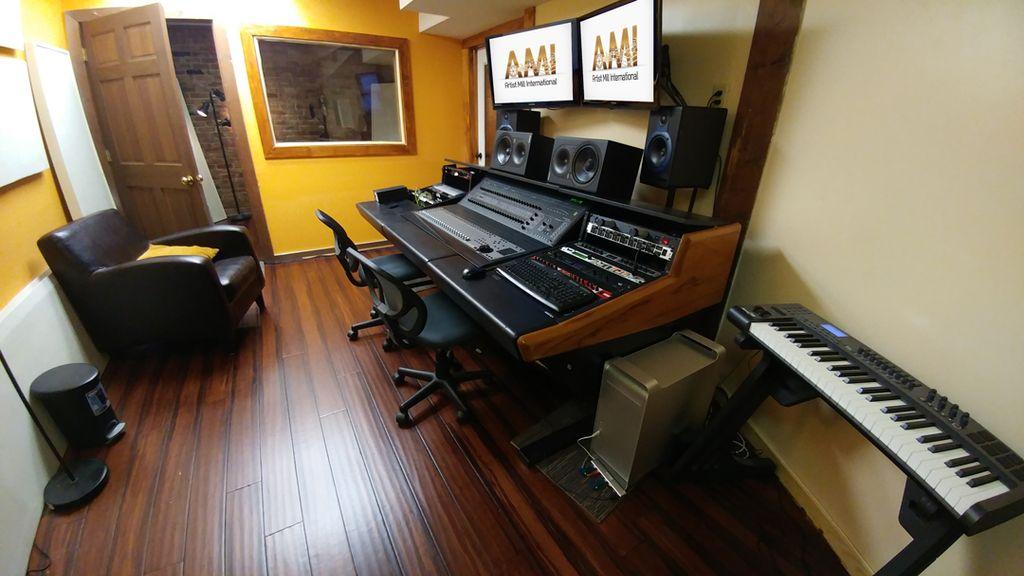 Artist Mill International