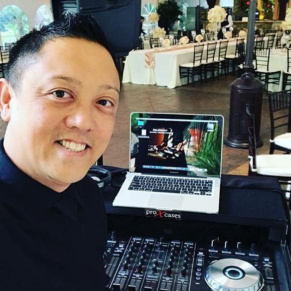 Del Dee-Jay: DJ & MC, Sound & Lighting