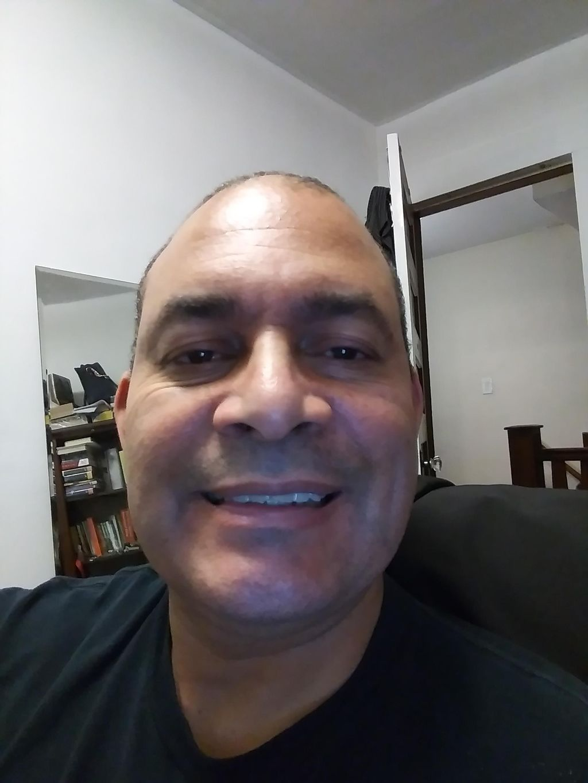 Daniel Santos-handyman
