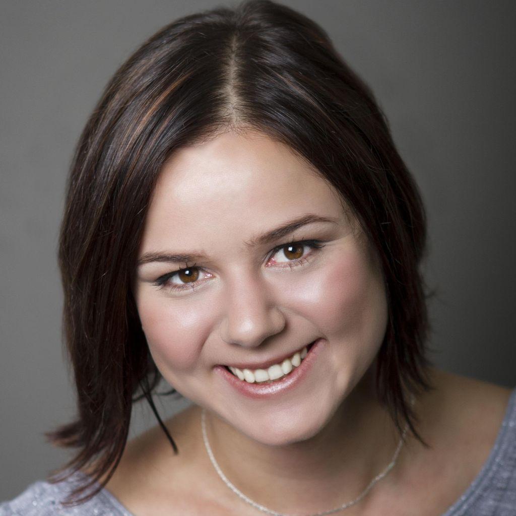 Sonya Matoussova, Cellist