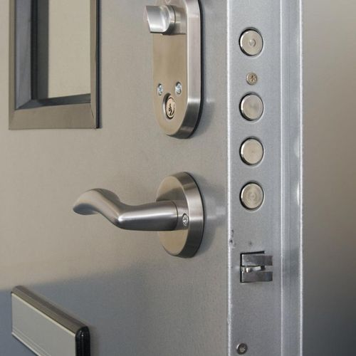 Commercial Locksmith : Our valued customers who tried the services that we provide here at SaveOn could testify and prove to you how great and convenient our services.