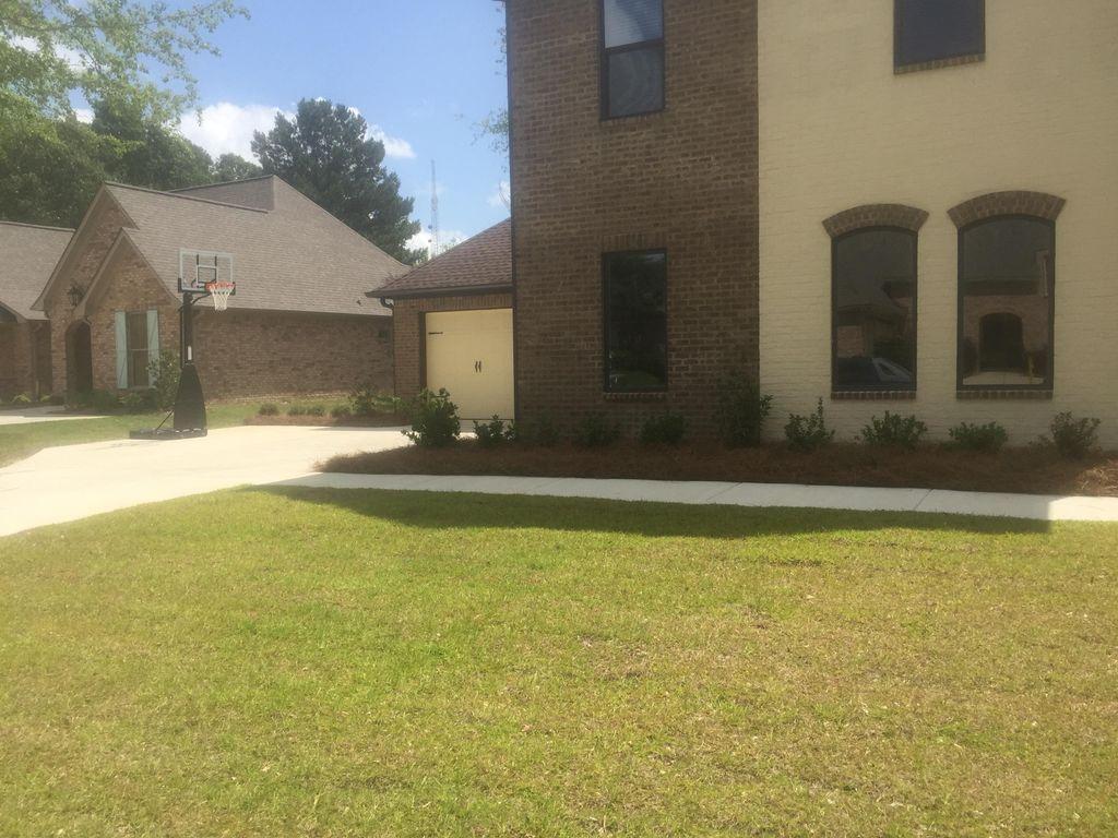 Murriel Lawn Pro