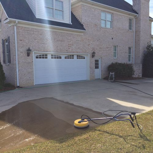 House and driveway clean