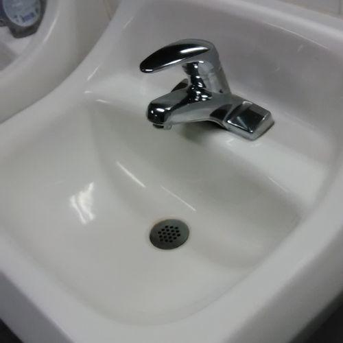Polish restroom sink
