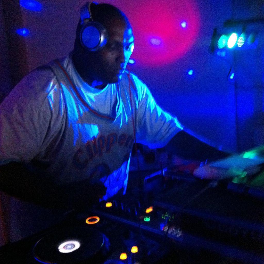 TRIPLE M PRODUXCIANS pres DJ TREYSWIFT!