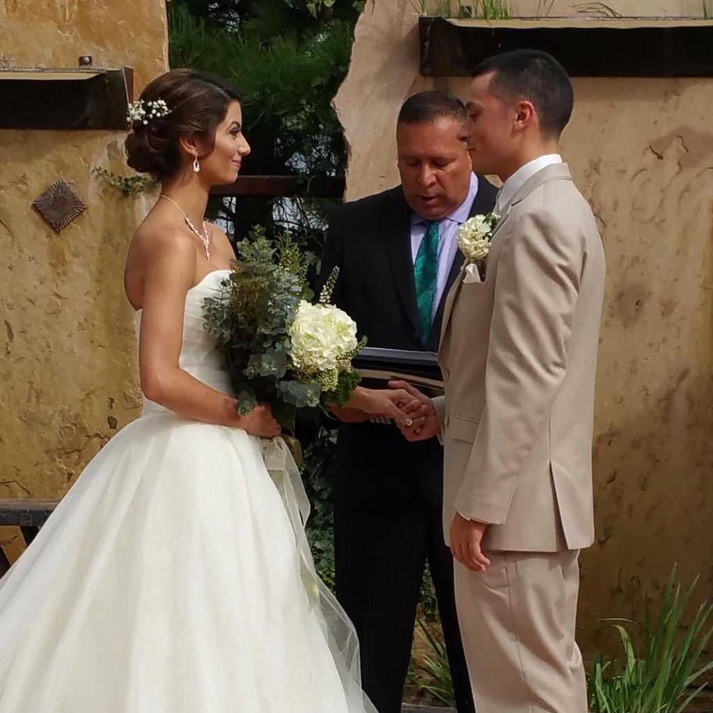 Arcoiris Weddings, Reverend Mauro Walden-Montoya