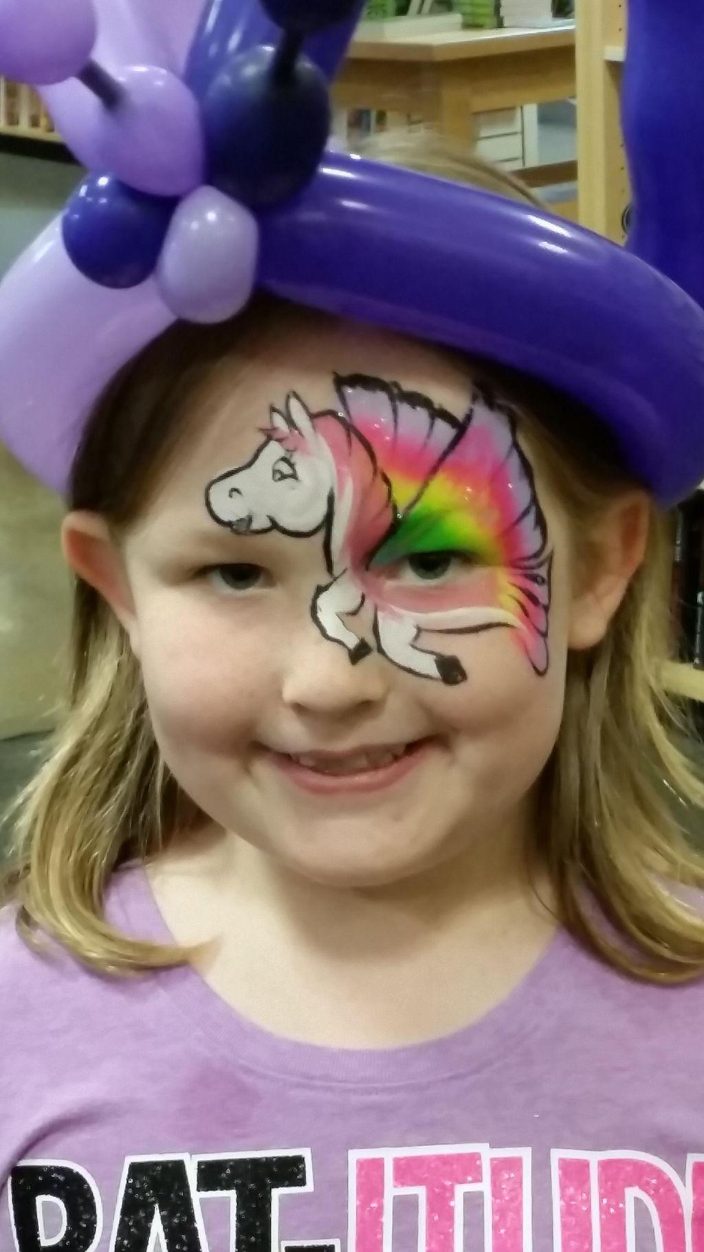 Fun for All Clowns & Balloon Decor