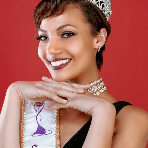 Miss Globe Illinois 2018 Professional Headshot
