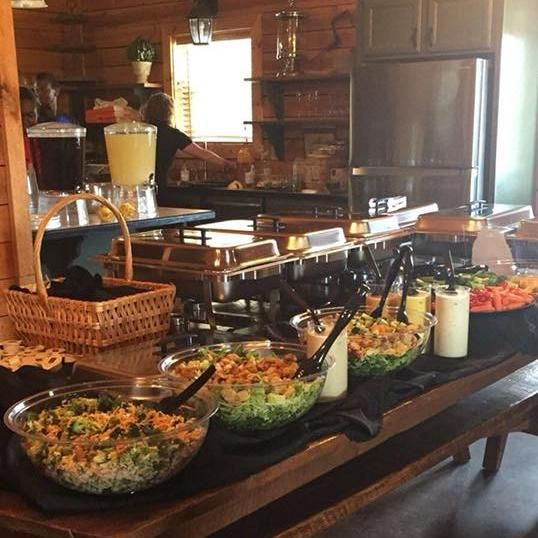 Dreams 2 Reality Catering