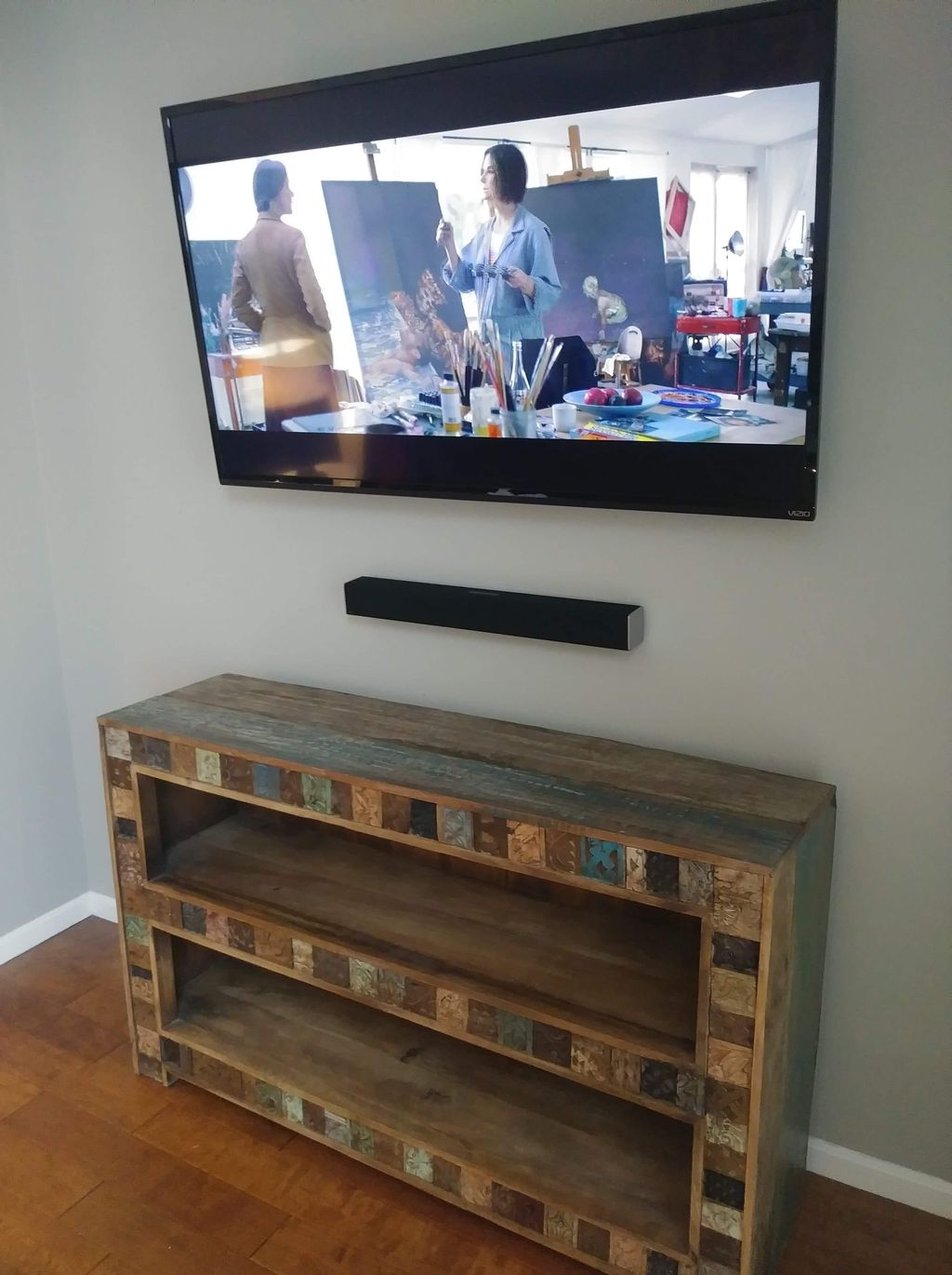60in tv with swivel mount and sound bar