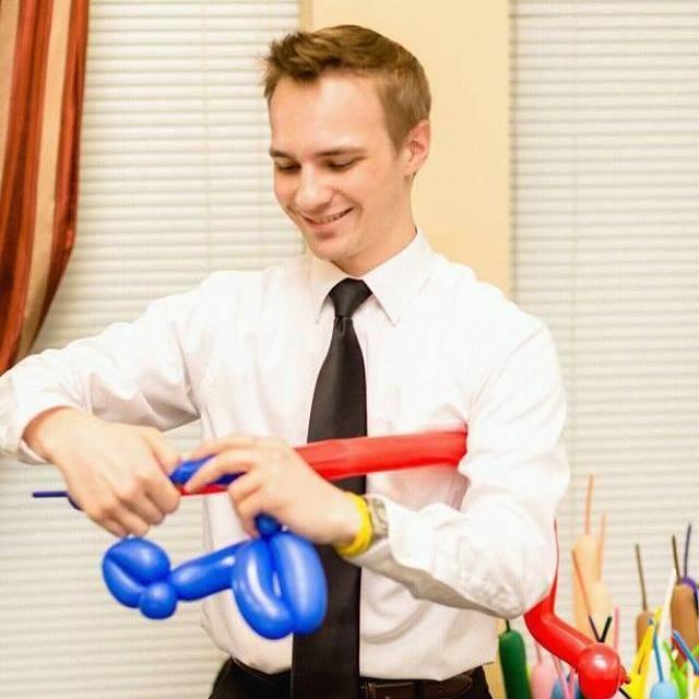 Sam Diezel - Balloon Artistry