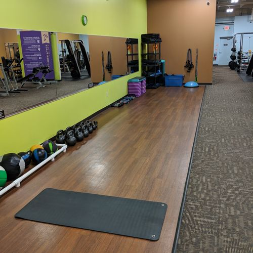 Medicine Balls, Slam Balls, Pylo Boxes, Kettle Bells, Jump Ropes, Agility Ladder and more