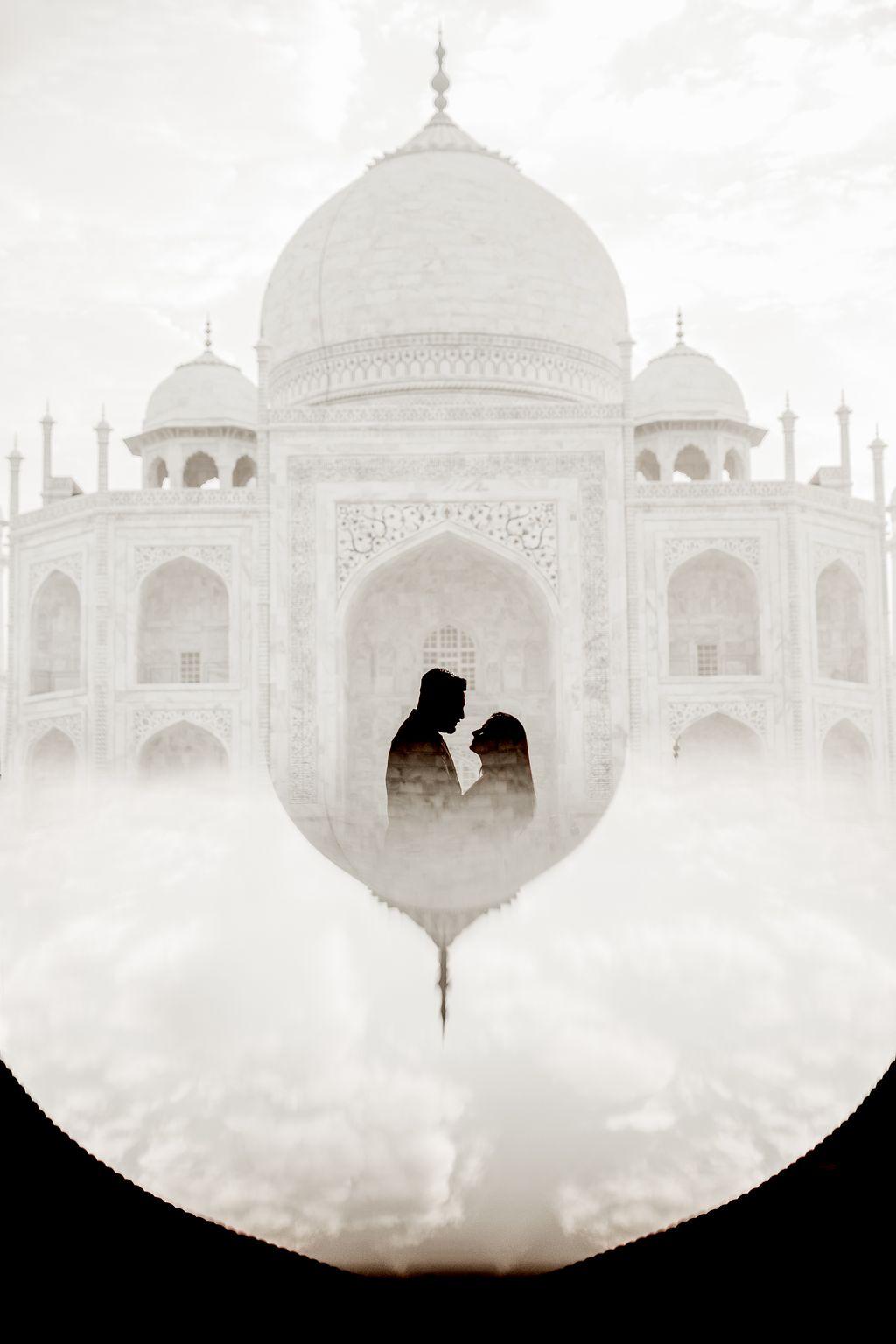 Taj Mahal Engagement Photoshoot