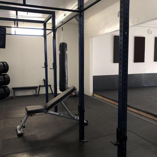 Rigs and Weight Lifting Area