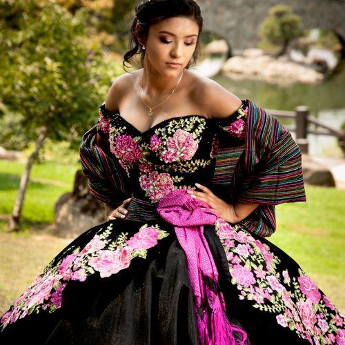 traditionl dress quinceanera