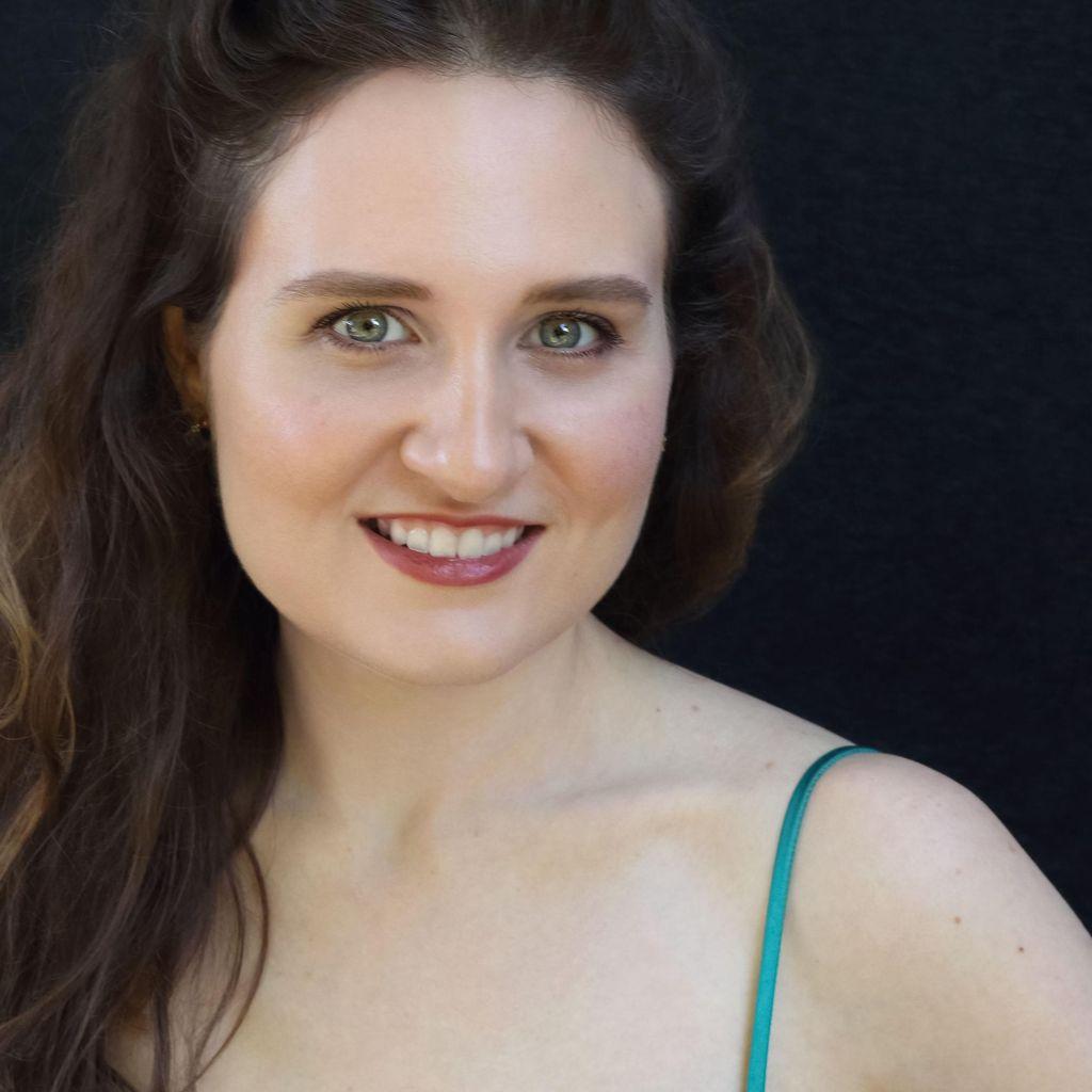 Elizabeth Patterson, Soprano
