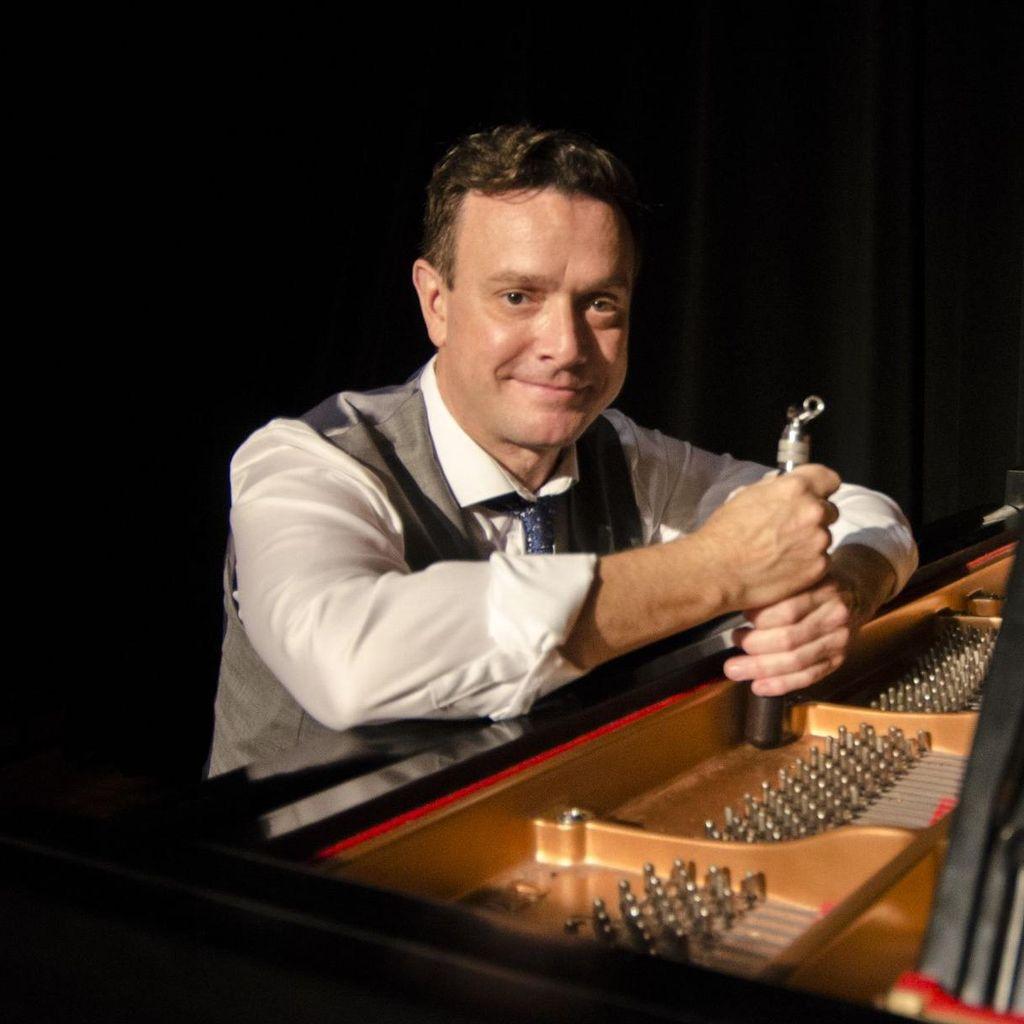 Christopher Winkels  Piano Tuner/Technician