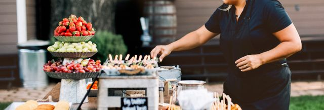 The 9 Best Wedding Caterers Near Me (with Free Estimates)