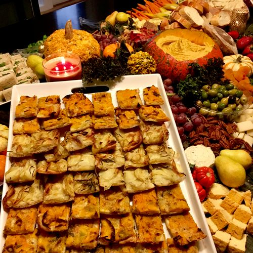 Fall edible table with flatbreads