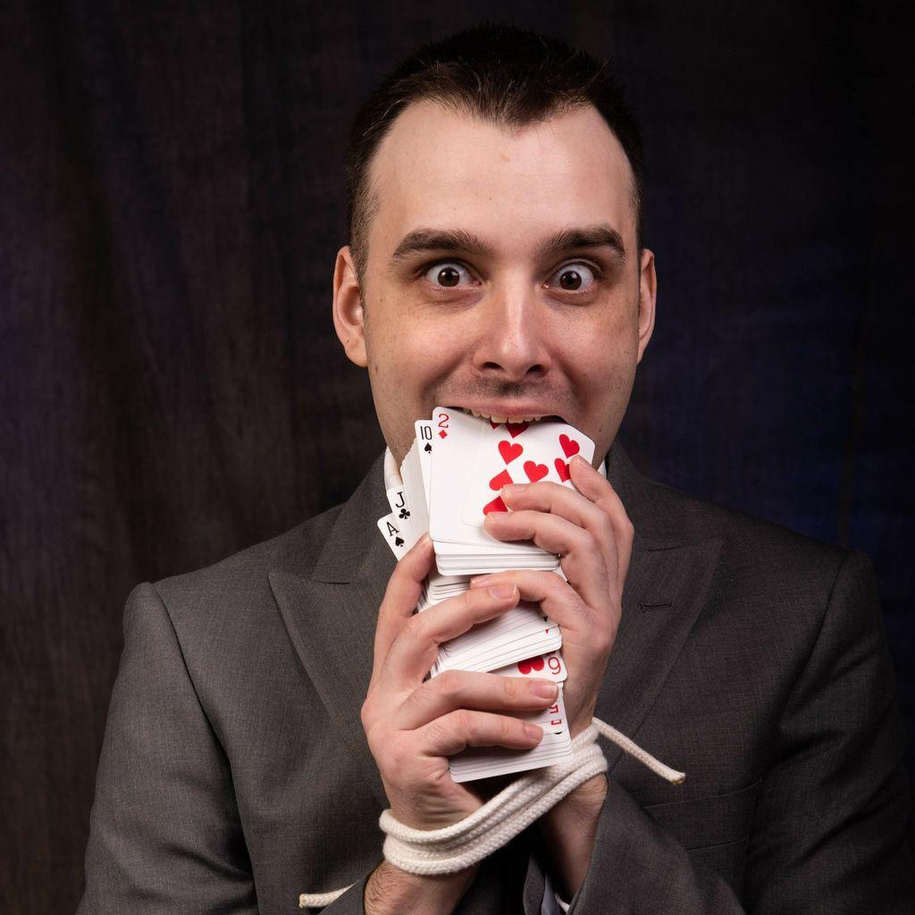 Erik Backes Magic
